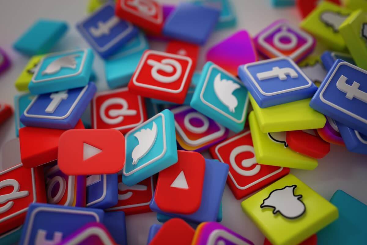 Poznaj historię Social Media!