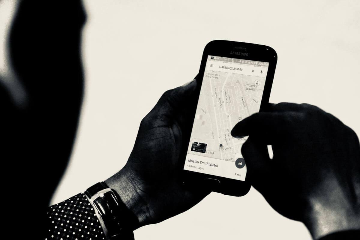 Usuwanie fałszywych i negatywnych opinii w Google Maps i nie tylko